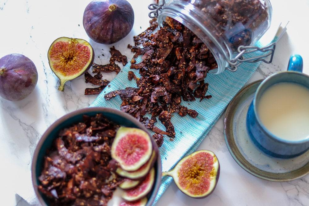 Schoko-Kokos-Granola - Selbstgemachtes Knuspermüsli - genussfreudig