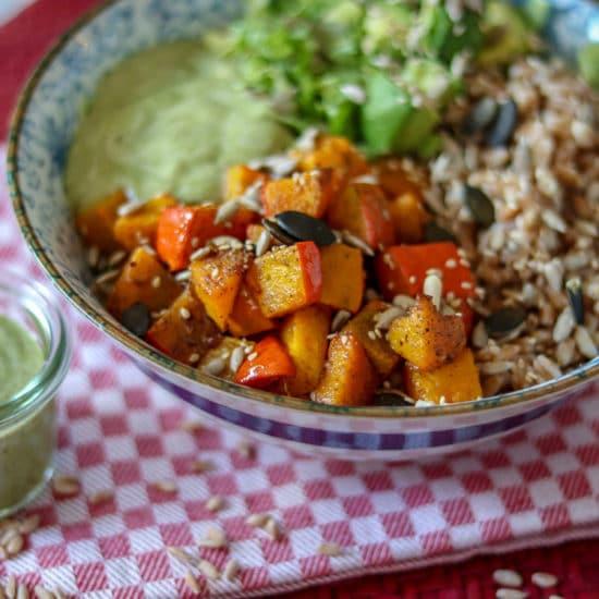 Herbst Lunch Bowl mit Dinkelreis & Ofenkürbis vegan genussfreudig