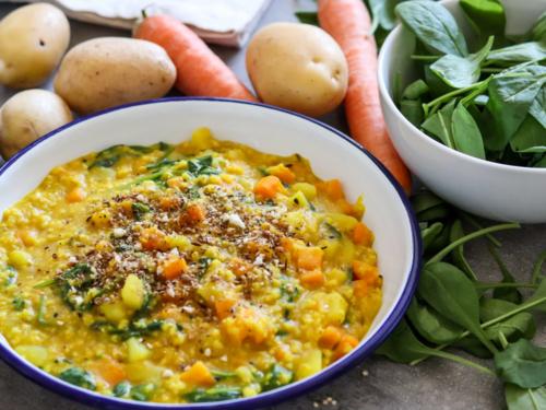 Hirse-Kitchari mit Kartoffeln und Spinat